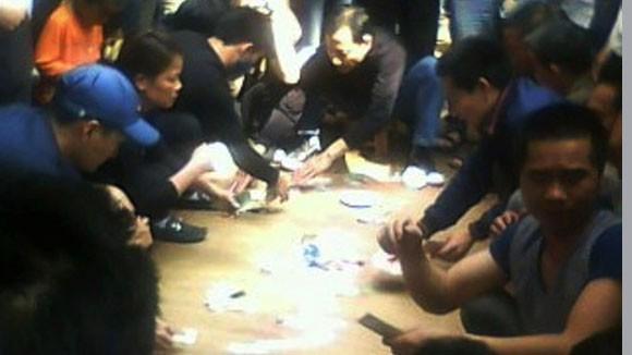 Tệ nạn cờ bạc đầu xuân năm mới gia tăng ảnh 1
