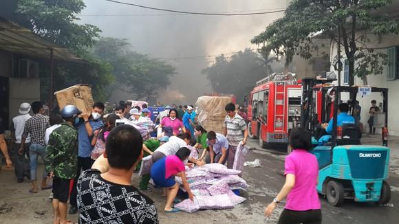 Toàn cảnh đám cháy lớn xảy ra tại công ty Diana ảnh 5