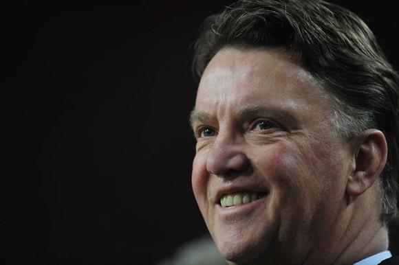 HLV Louis Van Gaal sẽ ký hợp đồng 3 năm trị giá 25 triệu bảng cùng M.U ảnh 1