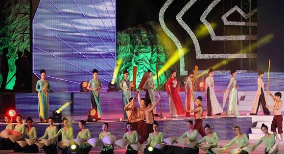 Carnaval Hạ Long 2014 rực rỡ sắc màu ảnh 6