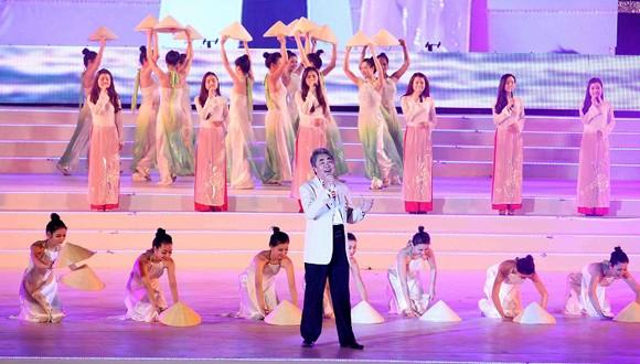 Carnaval Hạ Long 2014 rực rỡ sắc màu ảnh 8