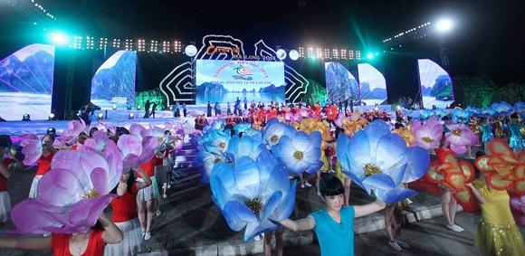 Carnaval Hạ Long 2014 rực rỡ sắc màu ảnh 4