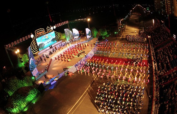 Carnaval Hạ Long 2014 rực rỡ sắc màu ảnh 2