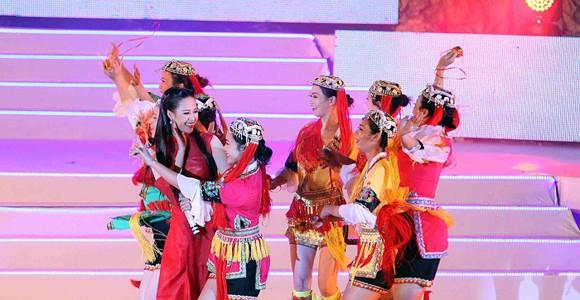 Carnaval Hạ Long 2014 rực rỡ sắc màu ảnh 9