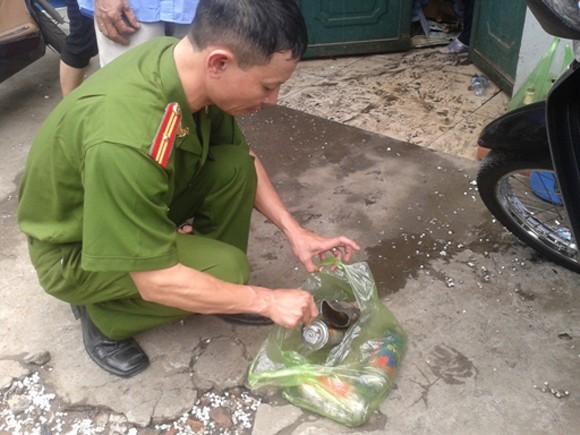 Nhà cháy, 1 cụ bà nhập viện do hàng chục bình gas mi-ni phát nổ ảnh 5