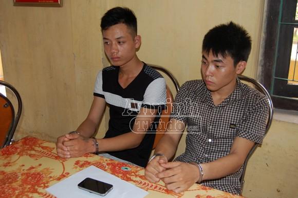 Hai nam thanh niên đánh người dã man để cướp tài sản ảnh 1