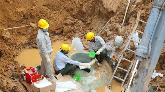 Lại vỡ đường ống nước sông Đà về Hà Nội ảnh 1