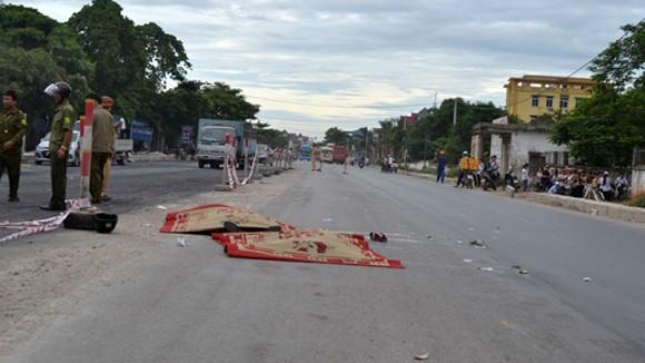 Xe tải tông xe máy 2 người tử vong thương tâm ngay tại chỗ ảnh 1
