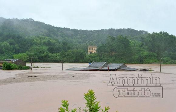 27 người chết và mất tích do mưa lũ ảnh 1