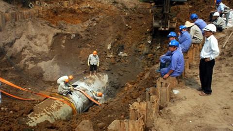 Khởi tố điều tra vụ án 9 lần vỡ đường ống nước sông Đà ảnh 2