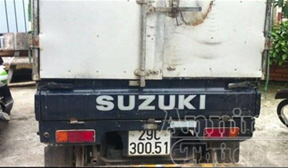 Cơ sở bẩn thỉu, nhân viên núp trong thùng xe tải để thái mỡ ảnh 7