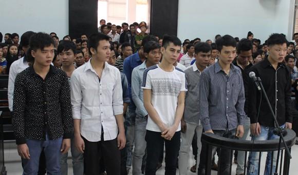 """Xét xử vụ """"hỗn chiến"""" trong quán nhậu ở Cam Lâm – Khánh Hòa ảnh 1"""