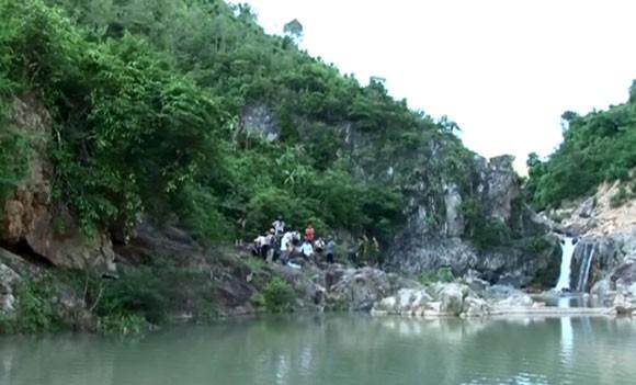 Quảng Bình: 2 học sinh tử nạn vì tắm suối ảnh 1