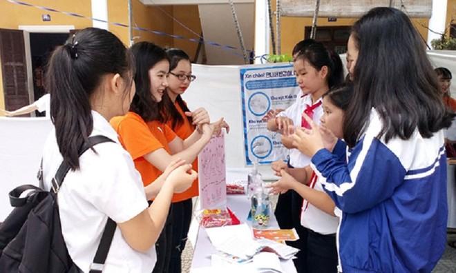 Khuyến khích học sinh, sinh viên tham gia bảo hiểm y tế ảnh 1