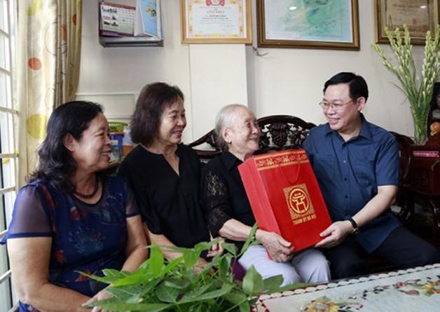Hà Nội dành hơn 371 tỷ đồng tặng quà Tết đối tượng chính sách dịp Tết Nguyên đán 2021 ảnh 1