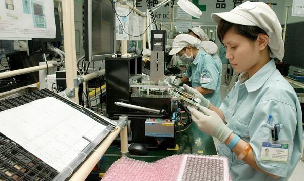 Hà Nội: Lương một số nơi tăng nhẹ, thưởng Tết giảm so với năm 2020 ảnh 1