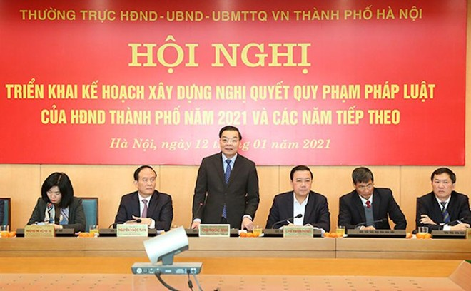 """Chủ tịch UBND TP Hà Nội: Có tình trạng """"vừa chạy vừa xếp hàng"""" trong xây dựng chính sách ảnh 1"""
