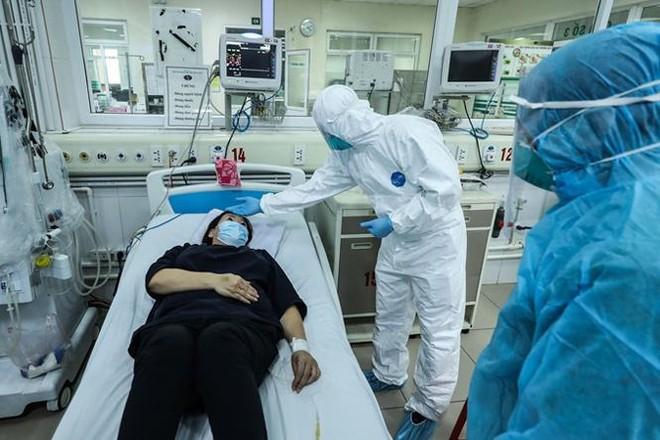 Nhân viên y tế mắc Covid-19 được hỗ trợ 10 triệu đồng/người ảnh 1