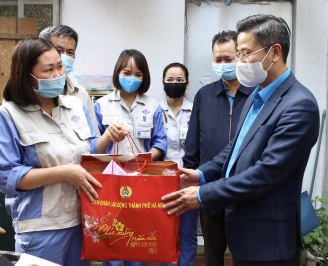 Hà Nội: Hỗ trợ kinh phí cho công nhân thuê trọ không về quê đón Tết ảnh 1