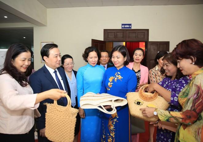 Hà Nội: Phấn đấu tỷ lệ phụ nữ trúng cử đại biểu HĐND các cấp đạt 30% ảnh 1