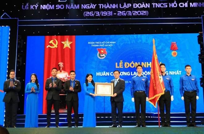 Bí thư Thành uỷ Hà Nội: Thanh niên phải đóng góp trí tuệ, tăng hàm lượng chất xám trong phát triển kinh tế ảnh 1