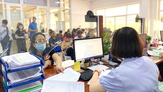Số người nhận bảo hiểm xã hội một lần vẫn tăng ở mức báo động ảnh 1
