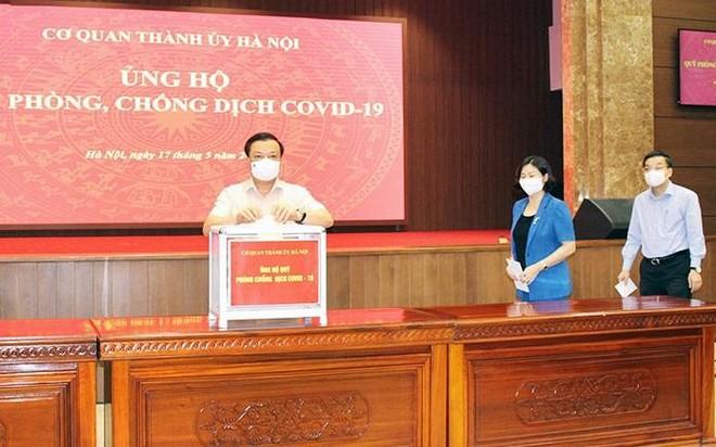 Thành ủy Hà Nội ủng hộ Quỹ phòng, chống dịch Covid-19 ảnh 1