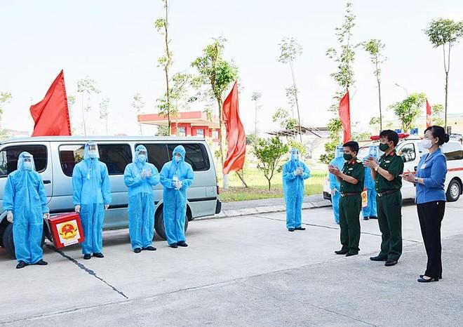 Hơn 3.200 cử tri bỏ phiếu sớm ở tâm dịch Bắc Ninh ảnh 1