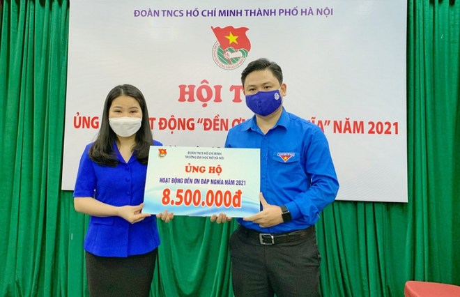"""Thành đoàn Hà Nội tiếp nhận hơn 50 triệu đồng ủng hộ quỹ """"Đền ơn đáp nghĩa"""" ảnh 1"""