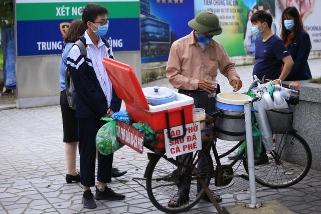 Hà Nội: Lao động tự do bị ảnh hưởng COVID-19 được hỗ trợ 1,5 triệu đồng ảnh 1