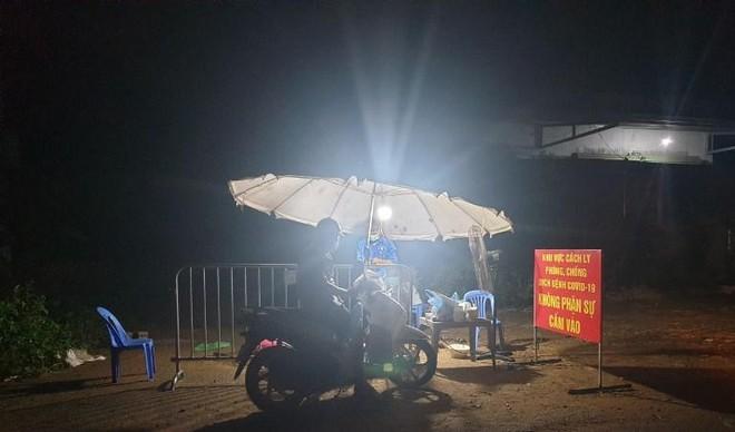Thạch Thất, Hà Nội: Phong tỏa nhiều thôn, tổ dân phố ở Phùng Xá, Tiến Xuân, Cẩm Yên và thị trấn Liên Quan ảnh 2