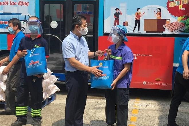 """Hà Nội: 2.000 túi """"An sinh Công đoàn"""" hỗ trợ người lao động khó khăn ảnh 1"""