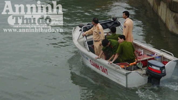 Tìm được 1 thi thể trong vụ sập cầu, 2 công nhân mất tích ảnh 1