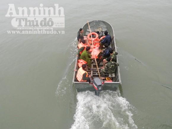 Tìm được 1 thi thể trong vụ sập cầu, 2 công nhân mất tích ảnh 2