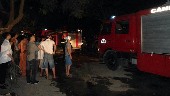 Hỏa hoạn thiêu rụi 4 căn hộ trong khu tập thể giao viên ảnh 2