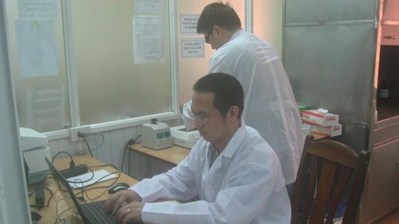 Những người bác sỹ áo xanh ảnh 1