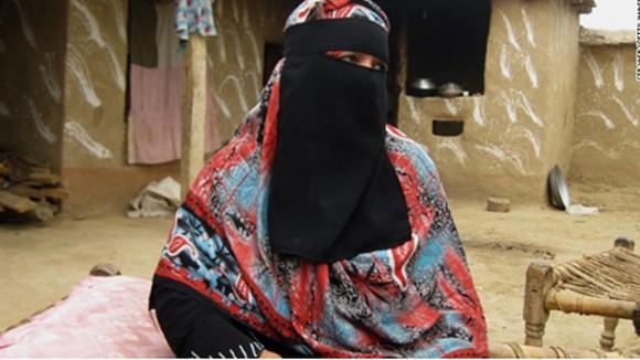 Nữ chính khách ứng cử vào nghị viện giữa lò lửa Taliban ảnh 1