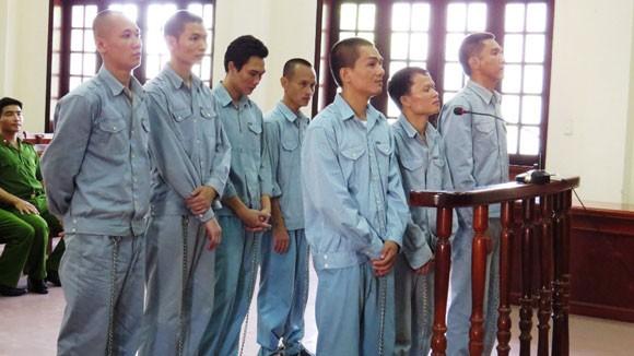 Cộng án tù cho 7 phạm nhân bắt quản giáo làm con tin ảnh 1