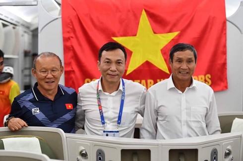 HLV Park Hang-seo, ông Trần Quốc Tuấn và HLV Mai Đức Chung,