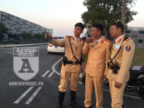 CSGT Hà Nội tập trung tối đa chuẩn bị các phương án đón dẫn đoàn thể thao Việt Nam. Ảnh: Hoàng Phong
