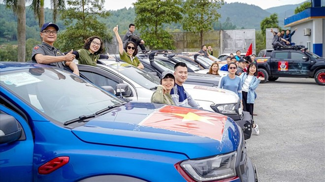 Ford Việt Nam hỗ trợ 640 hộ dân ở miền Trung ổn định cuộc sống sau lũ ảnh 1