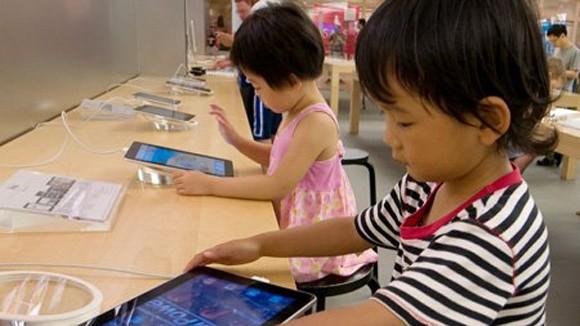 Cẩn trọng khi trẻ tiếp xúc với sản phẩm công nghệ cao ảnh 1