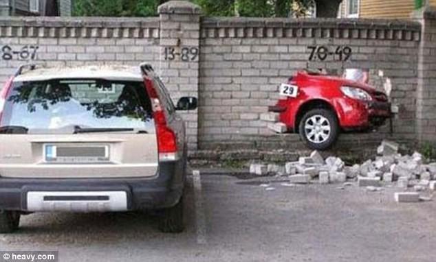 """Những kiểu đỗ xe """"độc"""" ảnh 2"""