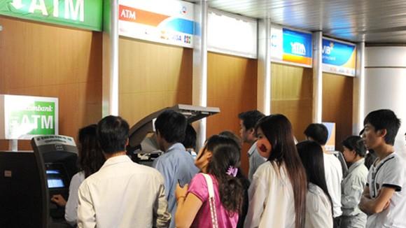 Phát sốt vì… ATM ảnh 1
