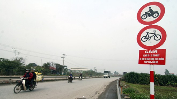 Từ hôm nay 1-3-2012: Phân luồng lại tuyến Pháp Vân- Cầu Giẽ ảnh 1