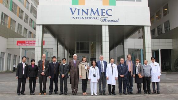 Đoàn đại biểu Vương quốc Bỉ đến thăm bệnh viện Đa khoa quốc tế VINMEC ảnh 1