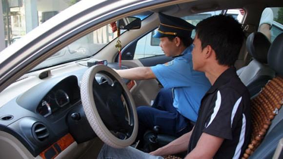 Hà Nội tổng kiểm tra doanh nghiệp taxi ảnh 1