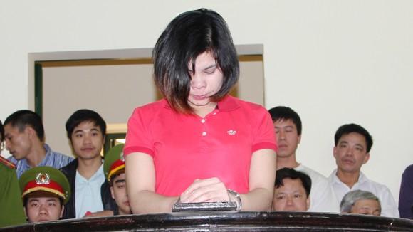 """""""Mẹ mìn"""" Nguyễn Thị Lệ bị phạt 4 năm tù ảnh 1"""