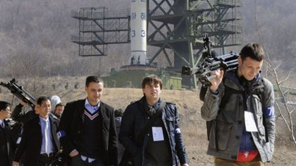 Triều Tiên sẵn sàng cho kế hoạch phóng vệ tinh ảnh 1
