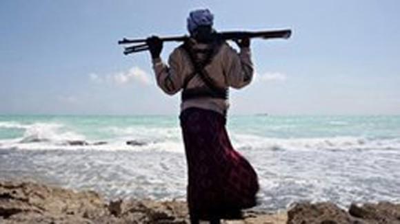 Cướp biển Somalia bắt giữ tàu chở dầu ảnh 1